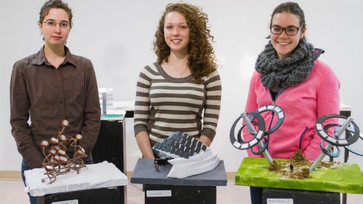 Trois étudiantes en Arts visuels du CSTJ innovent !