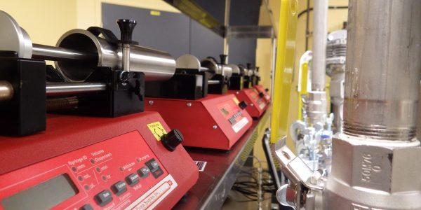 Équipemens de mélange 2 composantes (petite échelle)-1