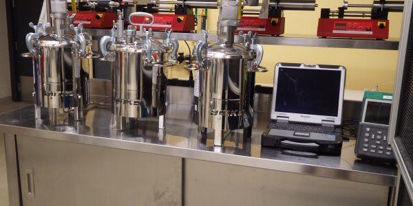 Équipemens de mélange 2 composantes (petite échelle)-2